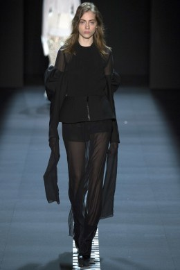 Vera Wang SS17 New York Fashion Week Trends Image via Vogue.com