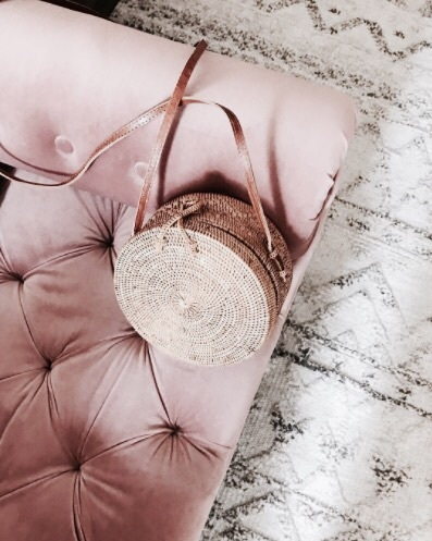 pink-chair-bucket-bag