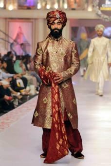 Traditional Style Groom & Bridal Wear By Arslan Iqbal 2015-16 5