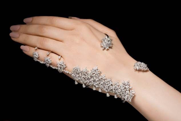 Full Finger Ring Trendy Jewellery Designs For Women