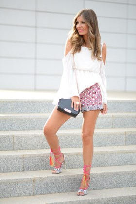 Bell Sleeve Tops To Try In Spring & Summer Season