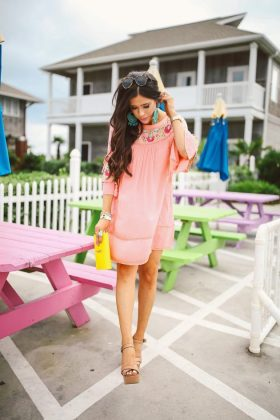 Coral Outfits Trend For Summer End & Autumn Season