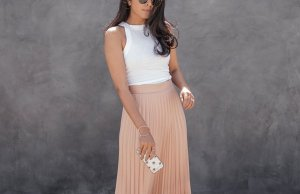 Gorgeous Pleated Midi Skirt Designs For This Summer 2017