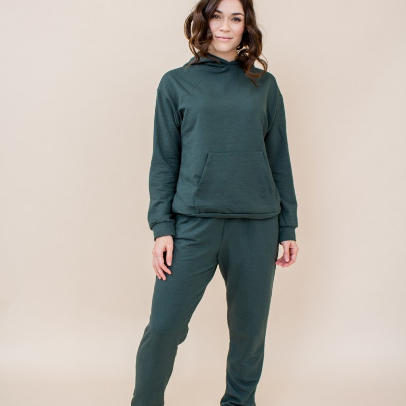 sustainable holiday gift guide jogger set encircled