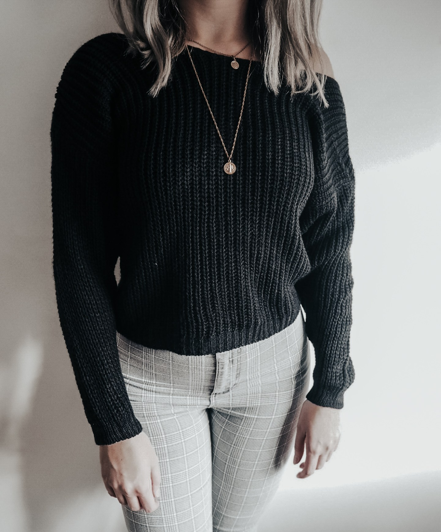 jumper, knitwear, fashion blogger, knot back twist black jumper, femme luxe