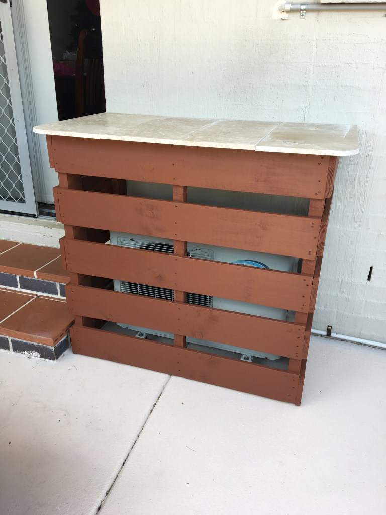 Pallet Bar Upcycle DIY 2