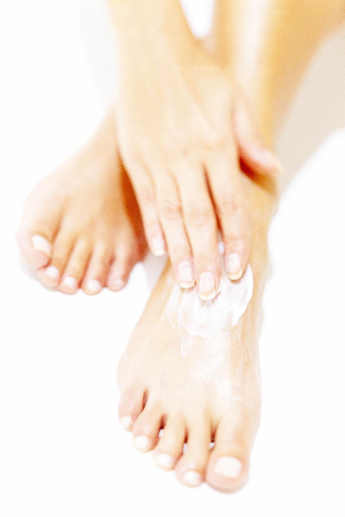 Hände und Füße freuen sich über eine gehaltvolle Pflege mit Kartoffelsaft.