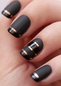 golden-nails-matte-and-gloss