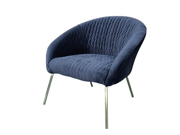 fauteuil bleu éléctrique avec pieds métal argenté