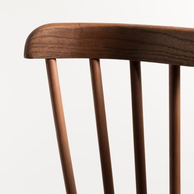 chaise robuste intemporelle bois foncé