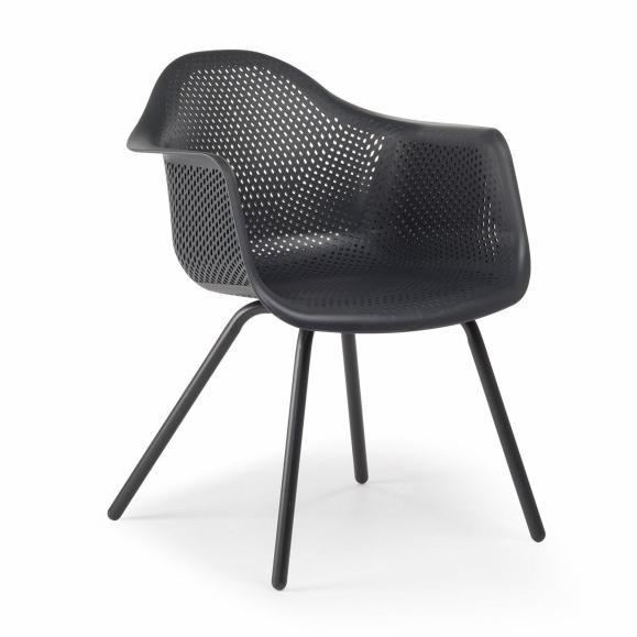 chaise noire extérieur