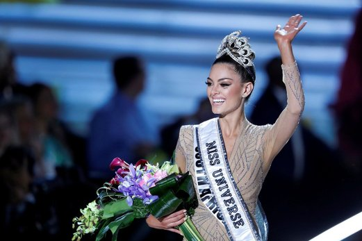 south-africa-demi-leigh-nel-peters-miss-universe-2017