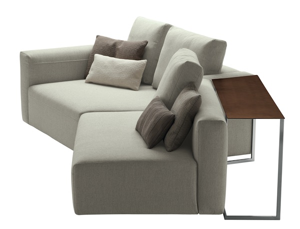 Ein Sofa mit Tisch: Party von Zanotta