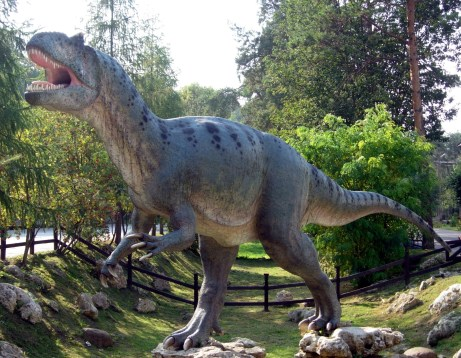 Allosaurus_in_Baltow_20060916_1500