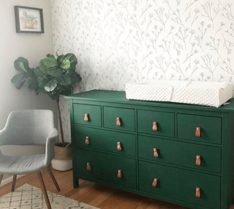 painting furniture with jolie paint