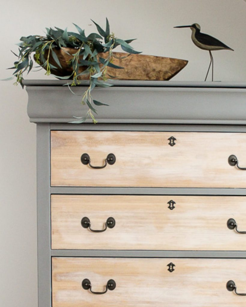 repaint old dresser with jolie