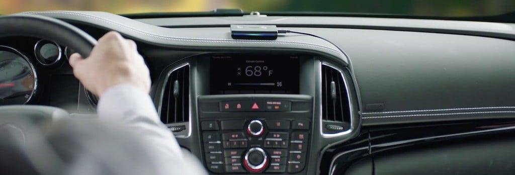 Amazon Echo Auto prix avis test Alexa design fixation