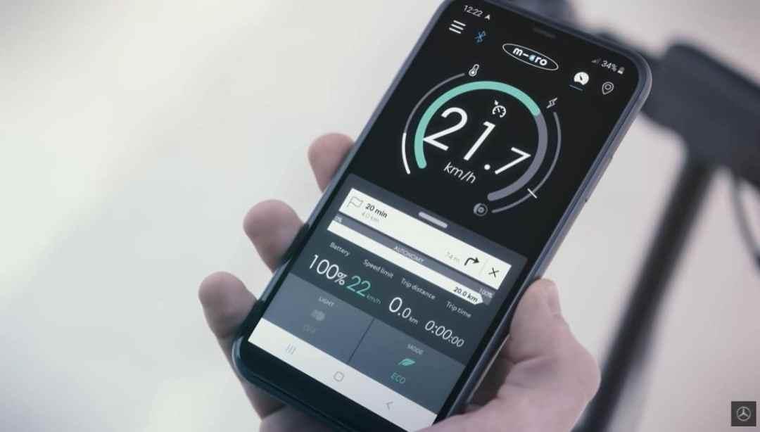 Mercedes e scooter application smartphone