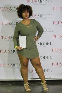 modelo plus size