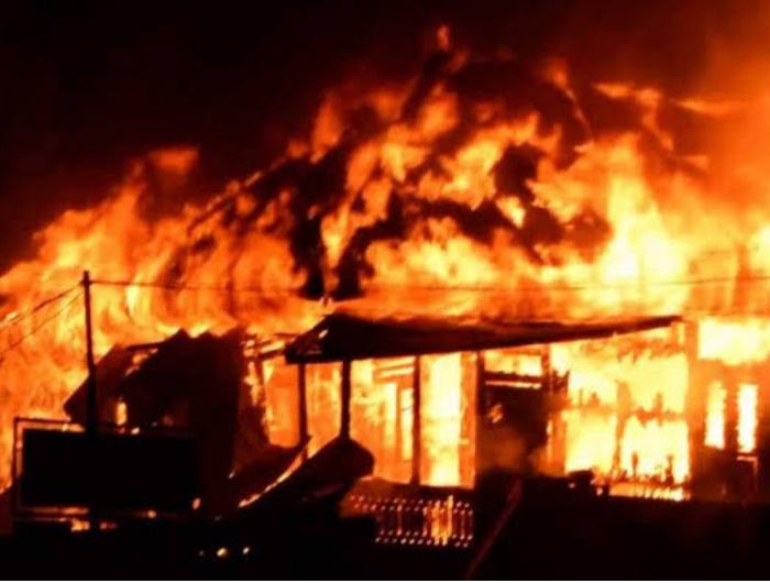 Pemadaman Listri Jabotabek, PLN, Warung Terbakar, Tangerang,