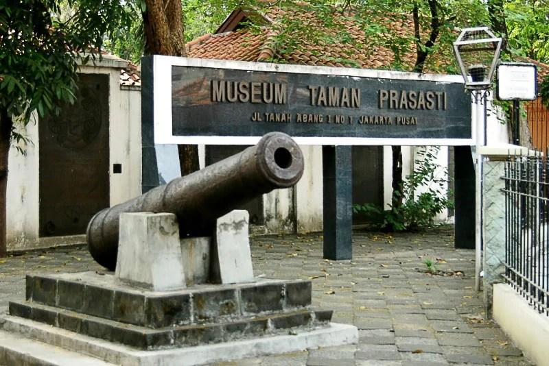 Tengok Yuk, Museum Taman Prasasti!