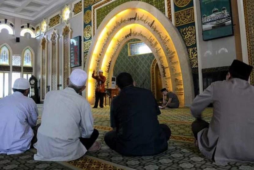 Pimpinan MUI: Masjid sebagai Tempat Pendidikan Politik Tidak Dilarang