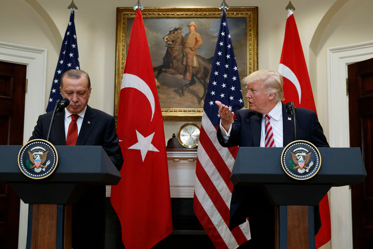 Trump Kembali Ancam akan Guncang Ekonomi Turki, Jika Tak Bebaskan Pendeta Brunson