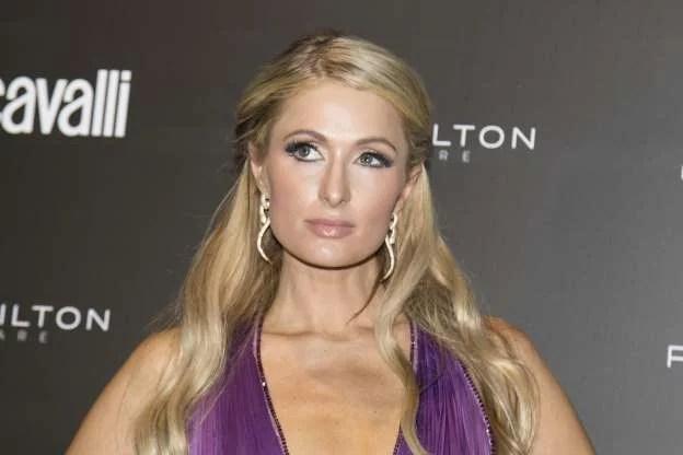 Ingin Segera Hamil, Paris Hilton Cari Pendonor Sperma Pintar
