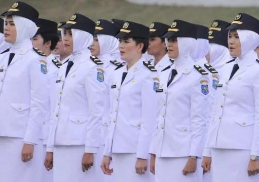 Kemendagri Cabut Aturan Jilbab untuk Pegawainya