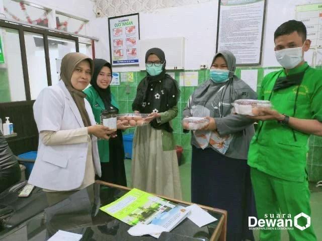 Keren, Untuk Jaga Imunitas Petugas Kesehatan! Gerakan People Help People Bagikan Telur Rebus dan Madu Di Tiga RSUD di Bone
