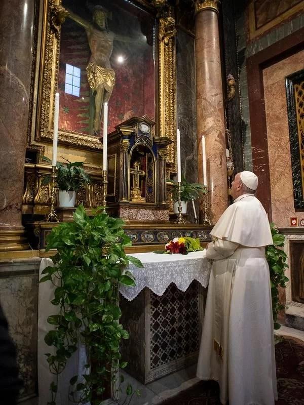 Paus Fransiskus Serukan Semua Umat Berpuasa Sehari di Bulan Ramadan untuk Cegah Covid-19
