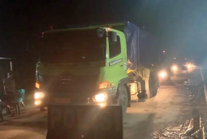 Jalan Rusak Parah, LKPD Sultra Desak Gubernur Hentikan Aktivitas Hauling PT. Jhonlin