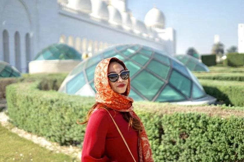 Muallaf Jessica Carla: Islam Masuk Akal, Bersyahadat Setelah Diskusi Maraton