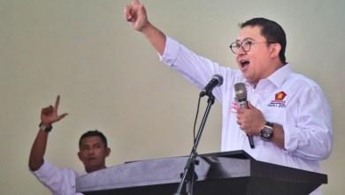 Photo of Fadli Zon Kembali Buat Puisi, Judulnya 'Rakyat Bergerak'