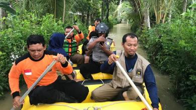 Photo of Relawan PKS Evakuasi Korban Banjir Yogya