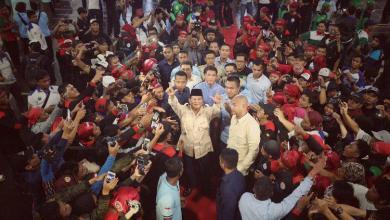Photo of Dua Pantun Prabowo untuk Buruh, Begini Bunyinya…