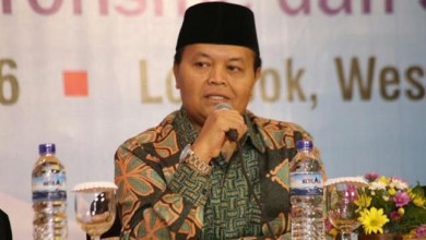 Photo of HNW: Menag Jangan Fobia dengan Hafiz Qur'an dan Pemuda 'Good Looking'