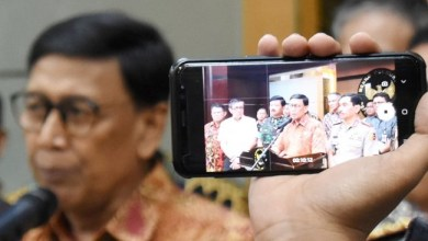 Photo of Wiranto Bantah HRS Dicekal Kembali ke Indonesia