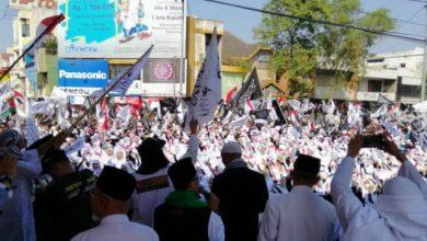 Photo of Puluhan Ribu Umat Islam di Solo Ikuti Parade Ukhuwah
