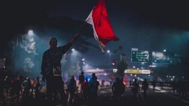 Photo of Gerakan Mahasiswa 2019: Manusia Bodoh dan Kuda Tunggang?