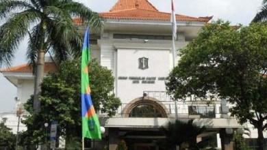 Photo of Tak Beretika Saat Rapat, Anggota Fraksi PSI DPRD Surabaya Ditegur