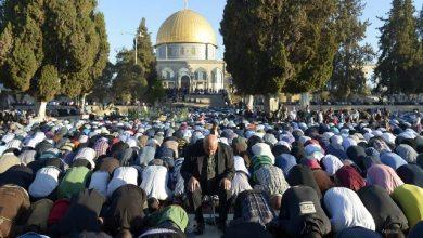 Photo of Rindu Berjamaah, Puluhan Ribu Umat Islam Shalat Jumat di Masjidil Aqsa