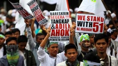 Photo of Penistaan Agama di Alam Demokrasi