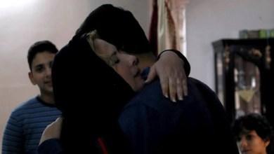 Photo of 20 Tahun Terpisah, Ibu dan Anak Asal Gaza Akhirnya Bertemu di Mesir