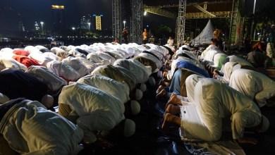 Photo of Reuni Akbar Mujahid 212 Dimulai dengan Shalat Tahajud Lalu Subuh Berjamaah
