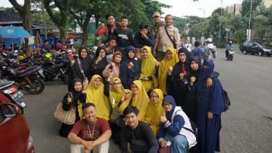 Photo of Didukung Komunitas Moge, Muslimah Bogor Terjun ke Lokasi Bencana Salurkan Bantuan