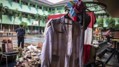 Photo of 211 Sekolah di Jakarta Terendam Banjir, Tiga Sekolah Belum Kering