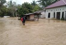 Photo of Inilah Foto-foto Banjir di Calon Ibu Kota, Satu Jembatan Jebol