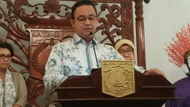 Photo of Jelang Shalat Jumat, Ini Pesan Kewaspadaan dari Gubernur Anies tentang COVID-19