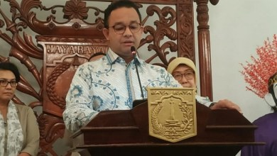 Photo of DKI Status Tanggap Darurat Corona, Anies Minta Kegiatan Perkantoran Dihentikan